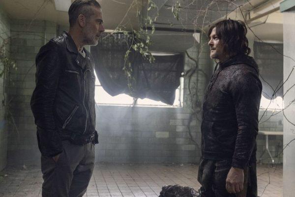 The-Walking-Dead-finale-images-24-600x400