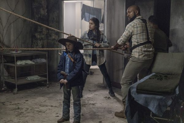 The-Walking-Dead-finale-images-7-600x400