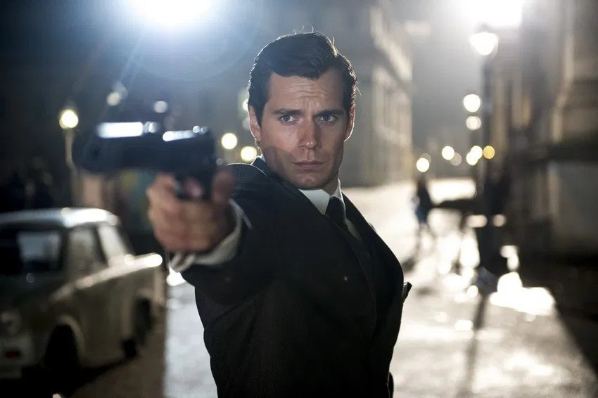 Henry Cavill 'would absolutely jump at the opportunity' to play James Bond