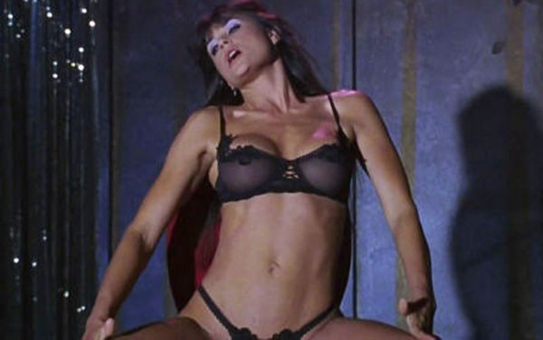 visore_demi_moore_striptease-600x376