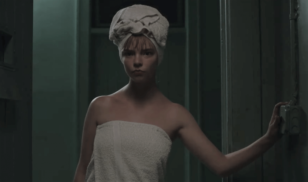 Watch a deleted scene from The New Mutants featuring Anya Taylor-Joy, Maisie Williams and Blu Hunt