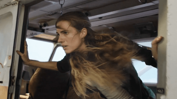 Horizon-Line-Official-Trailer-In-Cinemas-November-6-1-39-screenshot-600x336