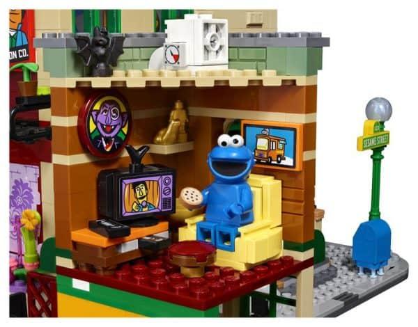LEGO-Ideas-Sesame-Street-5-600x470