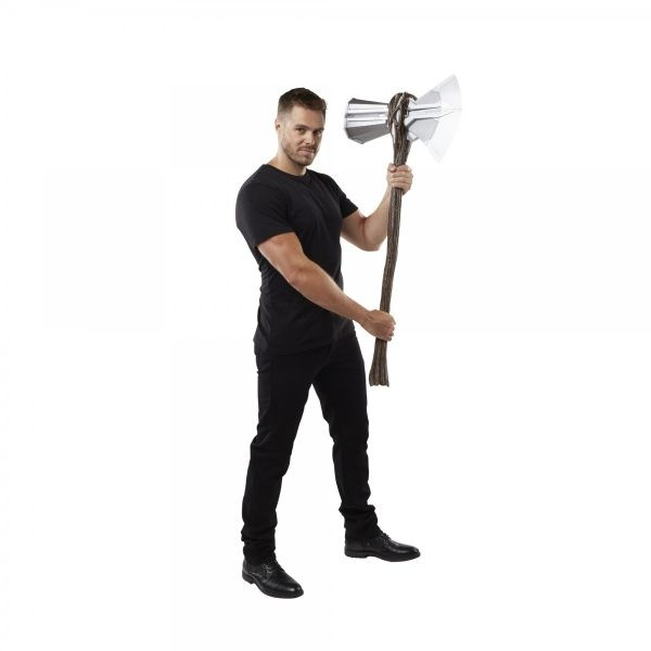 MARVEL-LEGENDS-SERIES-AVENGERS-ENDGAME-MARVELS-STORMBREAKER-ELECTRONIC-AXE-lifestyle-1-600x600
