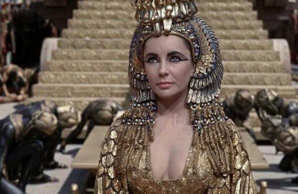 elizabeth-taylor-cleopatra-600x390