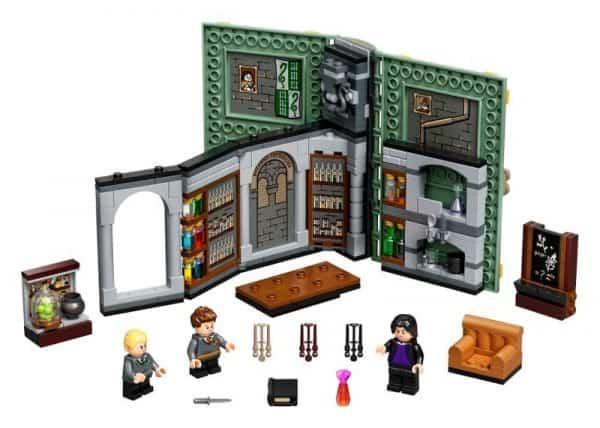 Hogwarts-Moment-Potions-Class-76383-2-600x428