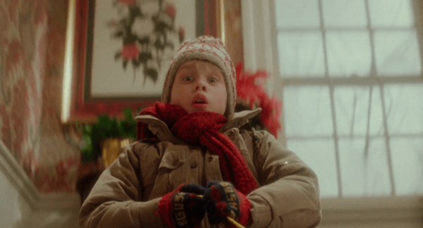 Home-Alone-Theatrical-Trailer-Remastered-in-HD-1-6-screenshot-600x324