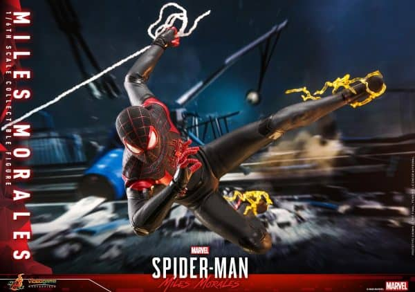 Hot-Toys-SMMM-Miles-Morales-collectible-figure_PR15-600x422