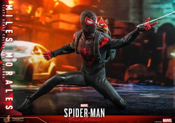 Hot-Toys-SMMM-Miles-Morales-collectible-figure_PR19-600x422