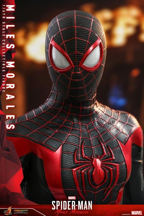 Hot-Toys-SMMM-Miles-Morales-collectible-figure_PR27-600x900
