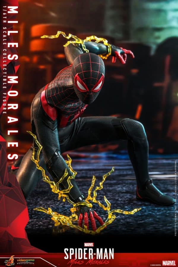 Hot-Toys-SMMM-Miles-Morales-collectible-figure_PR4-600x900
