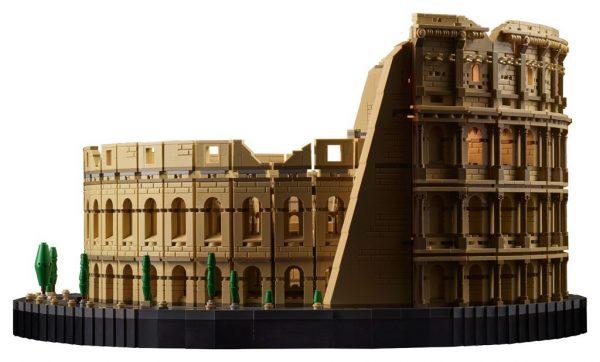 LEGO-Colosseum-10276-10-600x362
