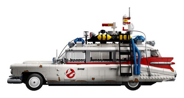 LEGO-Ghostbusters-Ecto-1-10274-4-600x321