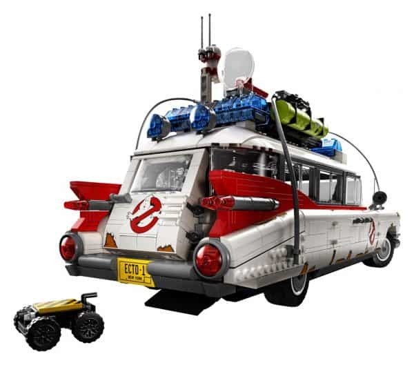LEGO-Ghostbusters-Ecto-1-10274-6-600x529