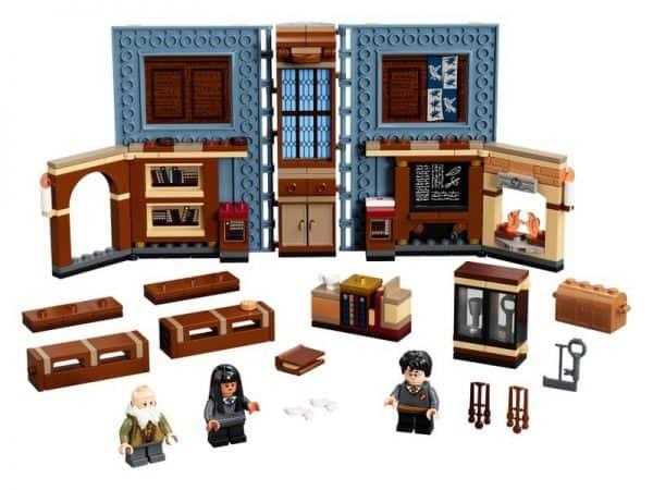 LEGO-Hogwars-Moment-Charms-Class-76385-2-600x450