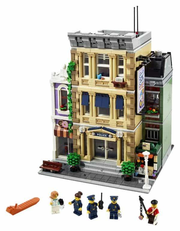 LEGO-Police-Station-10278-Modular-Building-3-600x770