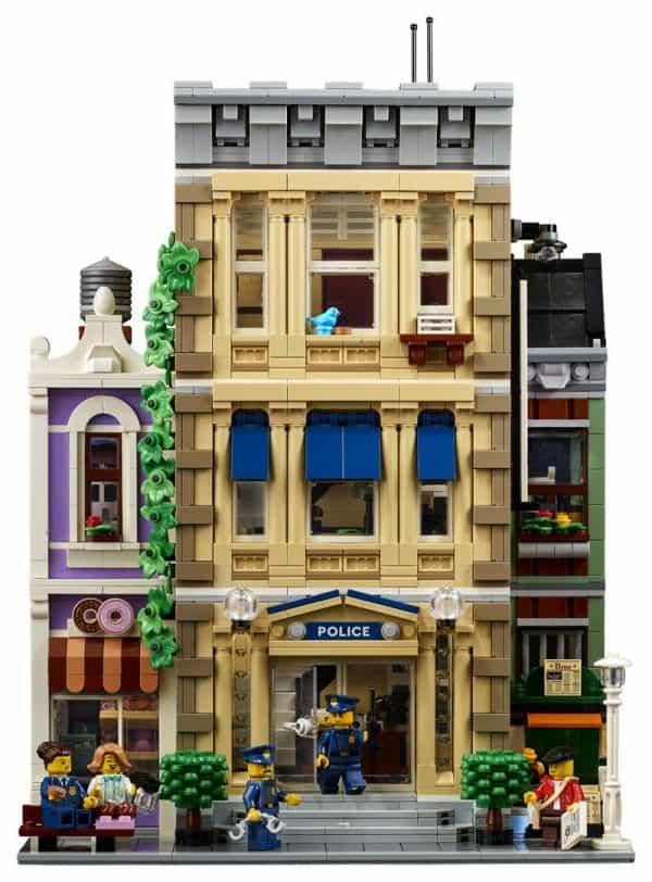 LEGO-Police-Station-10278-Modular-Building-5-600x812