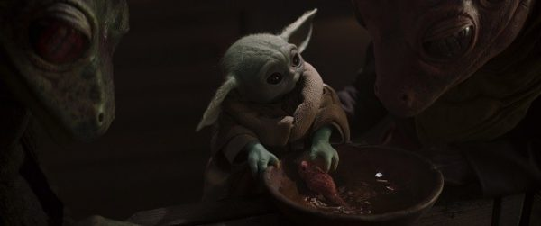 The-Child-in-Lucasfilm-s-THE-MANDALORIAN-season-two-exclusively-on-Disney-2020-Lucasfilm-Ltd-All-Rig-600x251