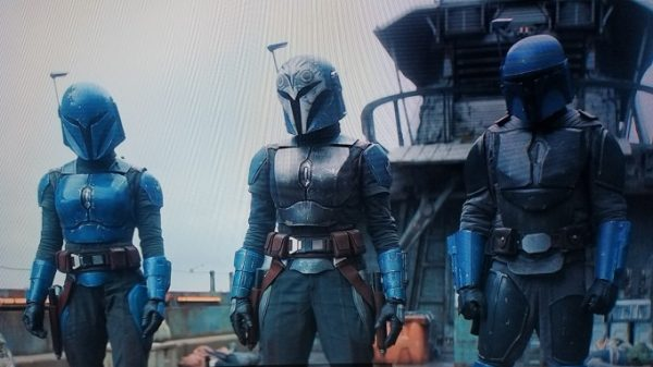 The-Mandalorian-Bo-Katan-and-crew-600x337