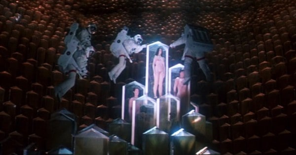 lifeforce-naked-aliens-astronauts-containment-ship