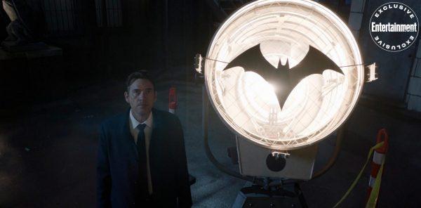 Batwoman-s2-premiere-6-600x296