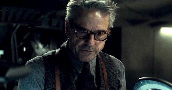 Jeremy-Irons-Zack-Snyder-Justice-League-600x314