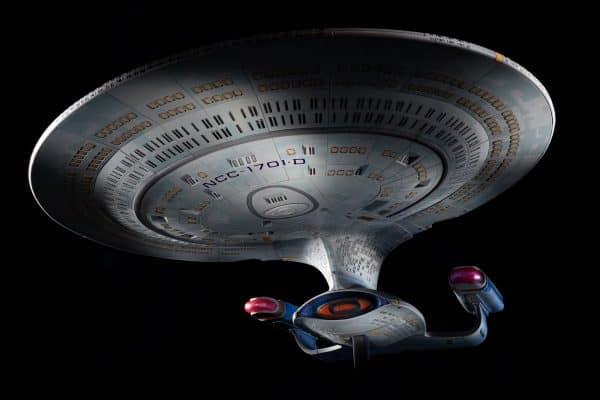 Star-Trek-Hero-Collector-Build-Your-Own-Enterprise-D-1-600x400