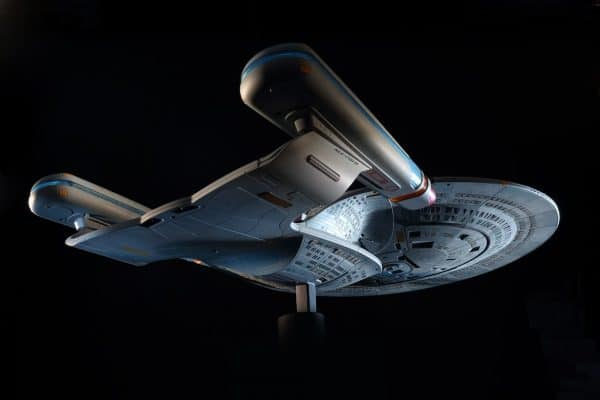 Star-Trek-Hero-Collector-Build-Your-Own-Enterprise-D-3-600x400