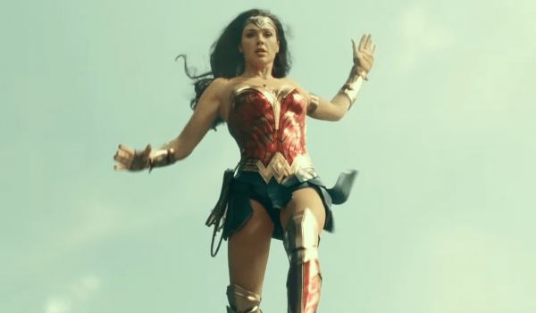 Wonder-Woman-1984-_-IMAX®-Behind-the-Frame-_-Shot-on-IMAX-Film-1-5-screenshot-600x351