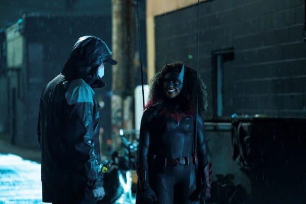 Batwoman-203-2-600x400