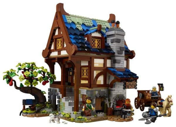 LEGO-Ideas-Medieval-Blacksmith-21325-4-600x432
