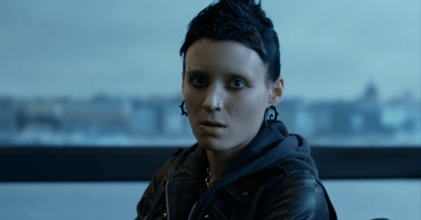 THE-GIRL-WITH-THE-DRAGON-TATTOO-Official-Trailer-In-Theaters-12_21-0-42-screenshot-600x314