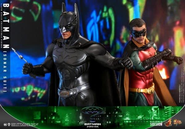 batman-sonar-suit_dc-comics_gallery_60198e9daf738-600x420