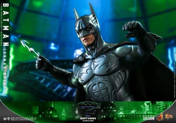 batman-sonar-suit_dc-comics_gallery_60198e9e71033-600x420