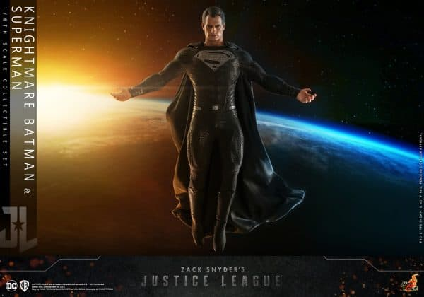 Hot-Toys-Zack-Snyder-Justice-League-Knightmare-Batman-and-Superman-Collectible-Set_PR19-600x420