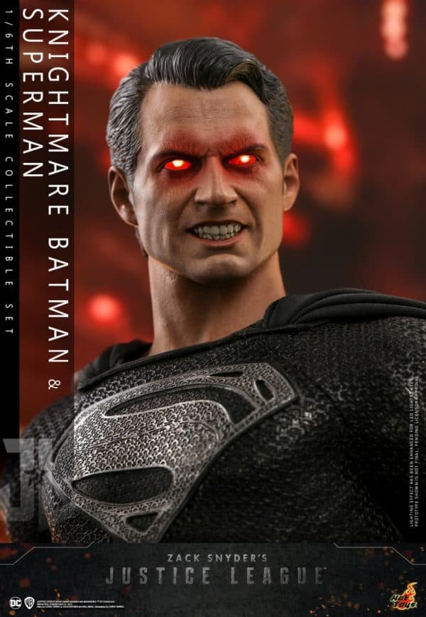 Hot-Toys-Zack-Snyder-Justice-League-Knightmare-Batman-and-Superman-Collectible-Set_PR28-600x867