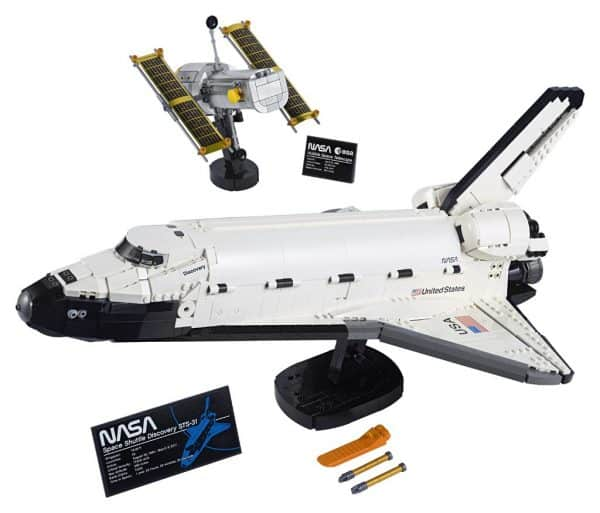 LEGO-NASA-Space-Shuttle-Discovery-10283-8-600x513