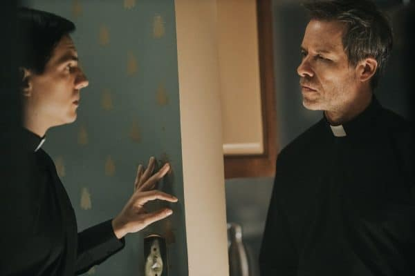 Vadhir-Derbez-and-Guy-Pearce-The-Seventh-Day-600x400