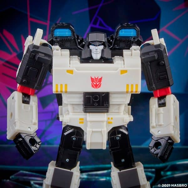 Transformers-Generations-Shattered-Glass-Voyager-Class-Megatron-4-600x600