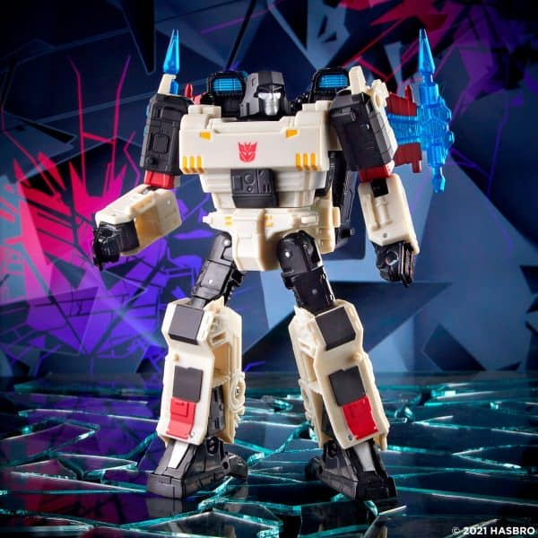 Transformers-Generations-Shattered-Glass-Voyager-Class-Megatron-5-600x600