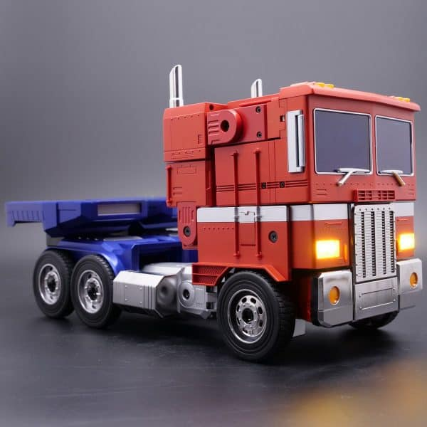 ransformers-Optimus-Prime-Auto-Converting-Programmable-Advanced-Robot-7-600x600