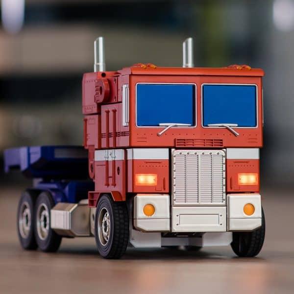 ransformers-Optimus-Prime-Auto-Converting-Programmable-Advanced-Robot-9-600x600