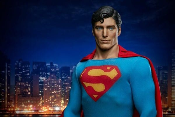 superman-the-movie-premium-format-figure_dc-comics_gallery_60651ff75f158-600x856-1