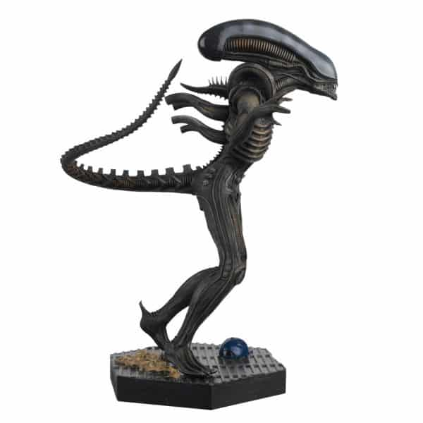 APBEN001_Xenomorph-Alien_RSide-600x600