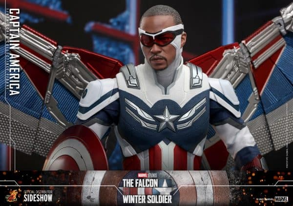 Captain-America-Sam-Wilson-Hot-Toys-1-600x422