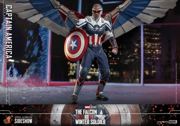 Captain-America-Sam-Wilson-Hot-Toys-2-600x422