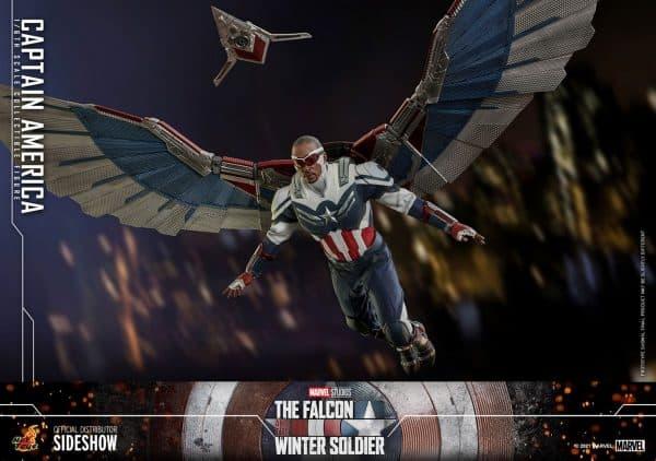 Captain-America-Sam-Wilson-Hot-Toys-6-600x422