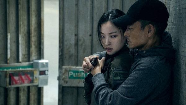Ni-Ni-and-Andy-Lau-Shock-Wave-Hong-Kong-Destruction